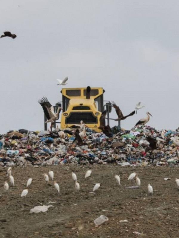 Piden trasladar la basura del vertedero de Alcalá de Henares a Valdemingómez