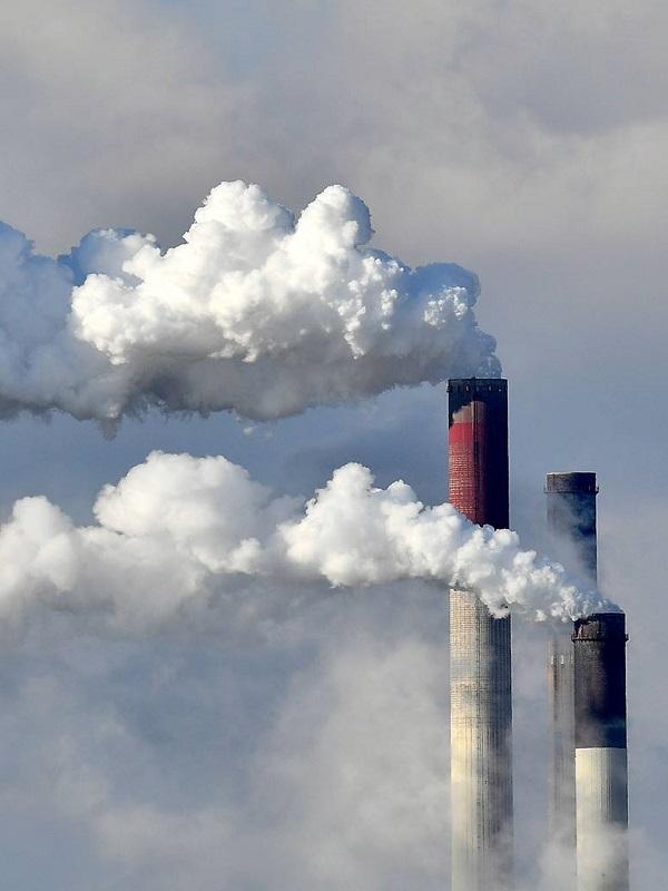 Ribera afirma que España y la UE reducirán un 45% sus emisiones de CO2 en 2030 y pide aumentar la ambición climática