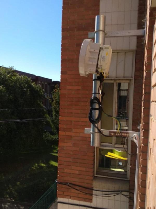 Asturias. El peligro de las antenas de los coles de Pola Siero