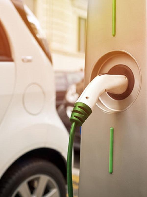 Consiguen abaratar el precio de las recargas de los coches eléctricos