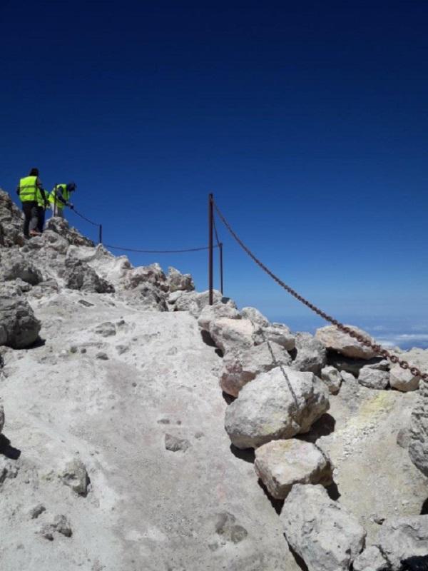 El Cabildo de Tenerife acondiciona el sendero Telesforo Bravo del Parque Nacional del Teide