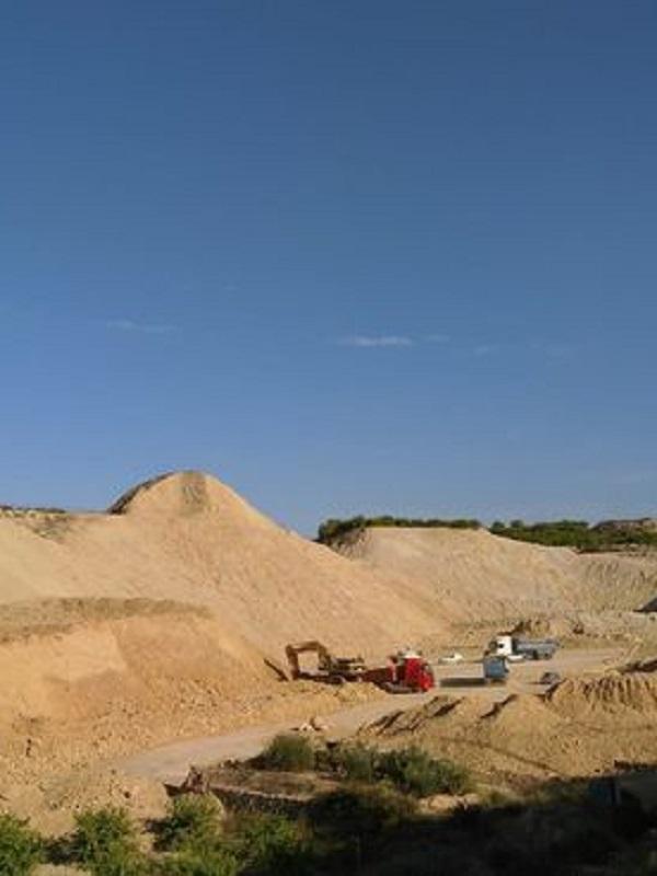 Murcia. Denuncian la extracción de áridos en Zeneta