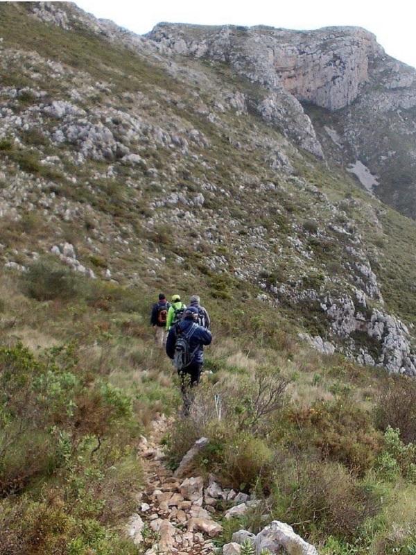La Diputación de Alicante organiza salidas senderistas por la Gran Ruta Costa Blanca Interior