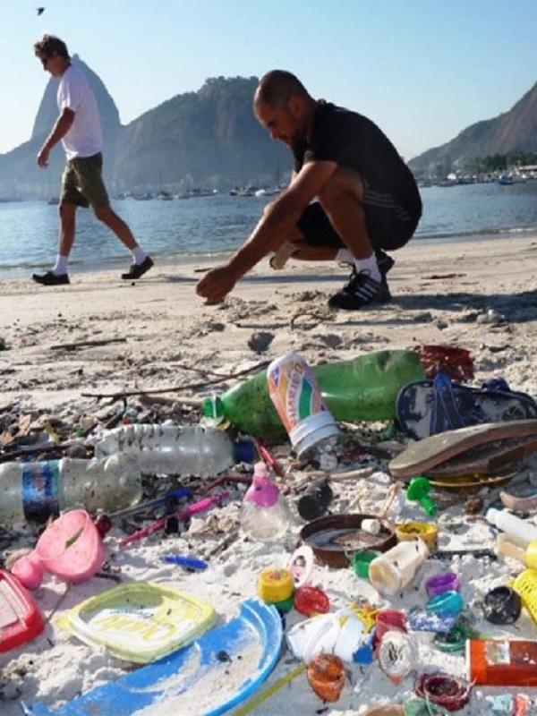 ¿Quieres saber que empresas atiborran de plástico el Planeta?
