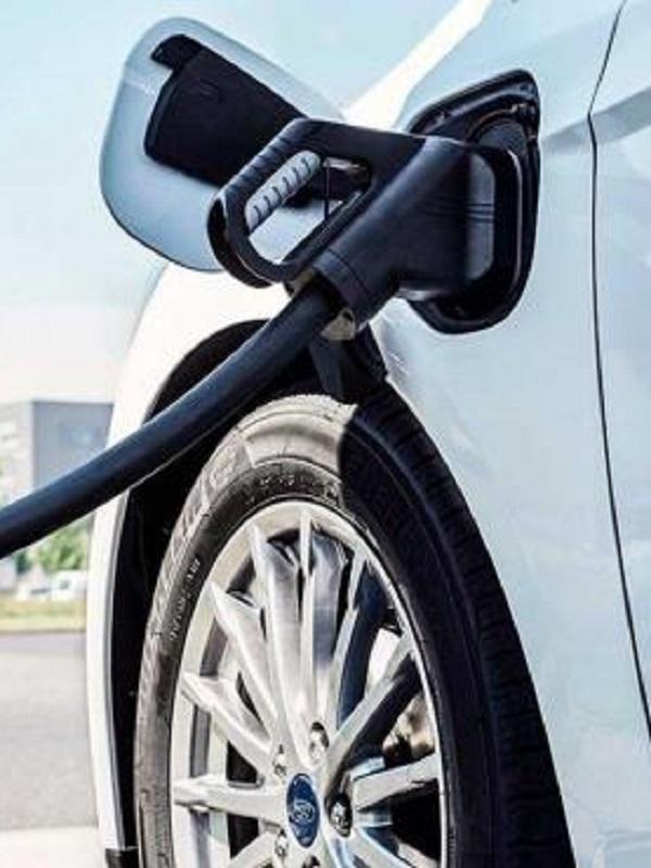 Castilla y León arranca una línea de ayudas a la compra de coches eléctricos