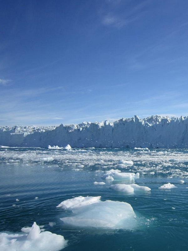 Agua almacenada en un glaciar de Groenlandia cambia modelos de deshielo