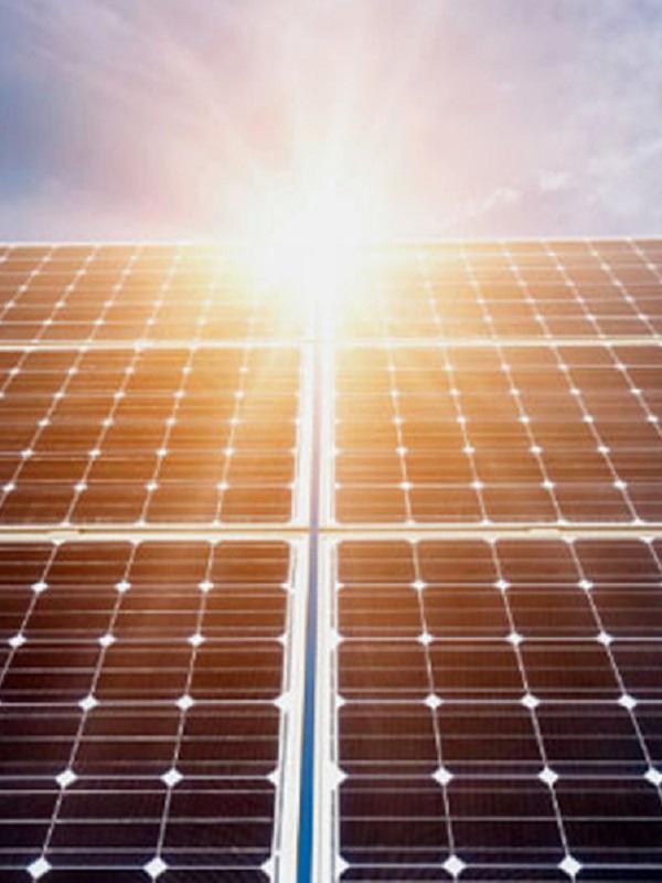 Alegría por la eliminación del impuesto al sol y al impulso del autoconsumo