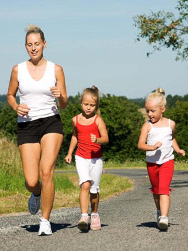 Cuando los padres hacen ejercicio, los niños son más saludables