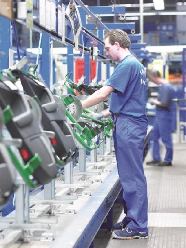 Los fabricantes de coches quieren una Transición Ecológica a su medida