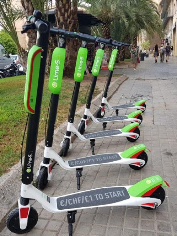 Valencia puede sancionar a la empresa de patinetes eléctricos por carecer de licencia