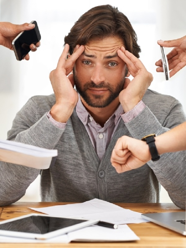 Las señales de alerta que te avisan de que estas en pleno estrés laboral