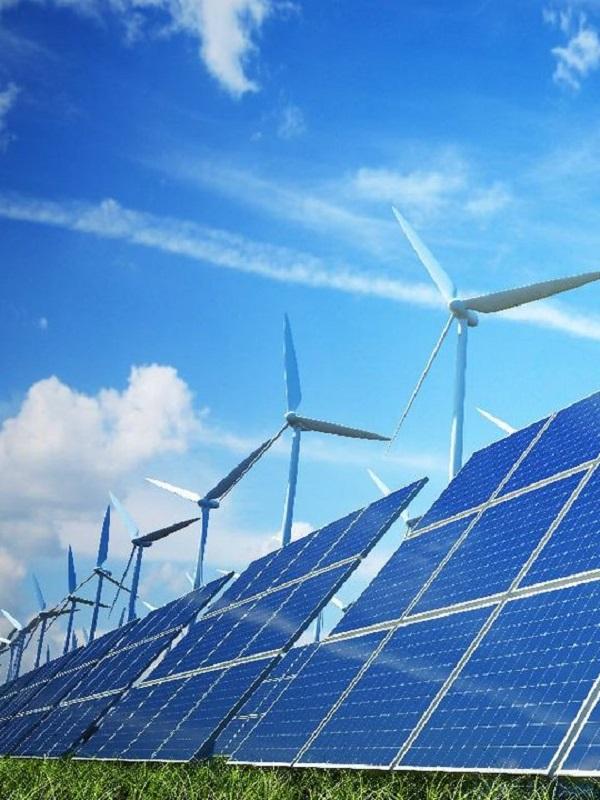 El alcalde de Cádiz le urge ejecutar un plan industrial que apueste por las renovables en la Bahía