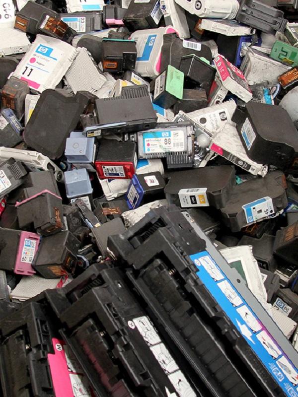 Los comercios de venta de cartuchos de tinta deben facilitar su reciclaje