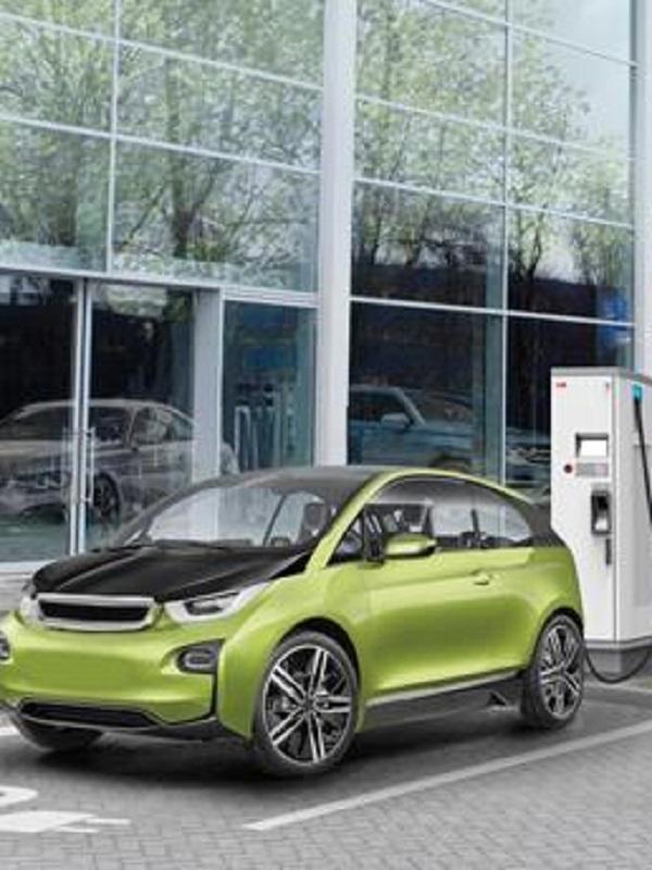 Zaragoza subraya que la ciudad se quiere poner a la vanguardia de la movilidad eléctrica