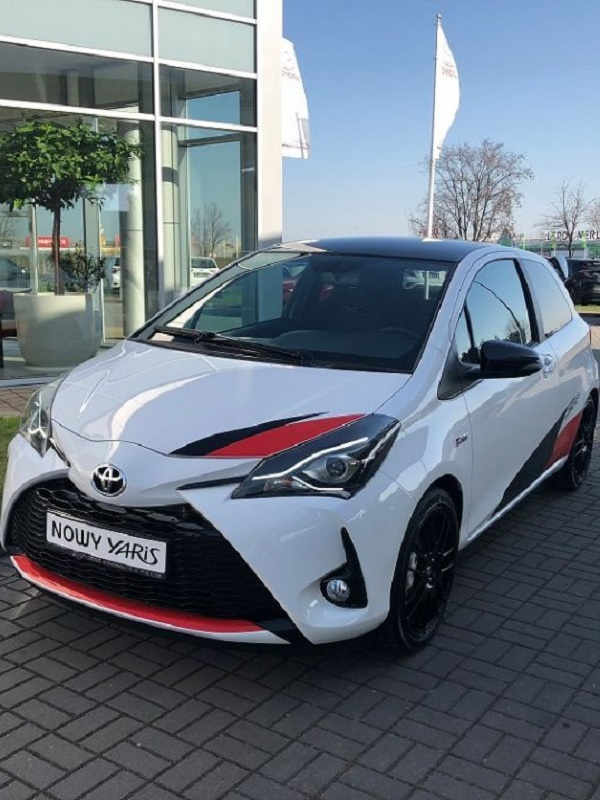 Toyota presenta dos nuevos modelos, Yaris GR Sport y Yaris Y20