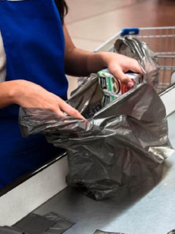 Greenpeace analizará el sábado en supermercados de toda España las marcas y supermercados que más plásticos usan
