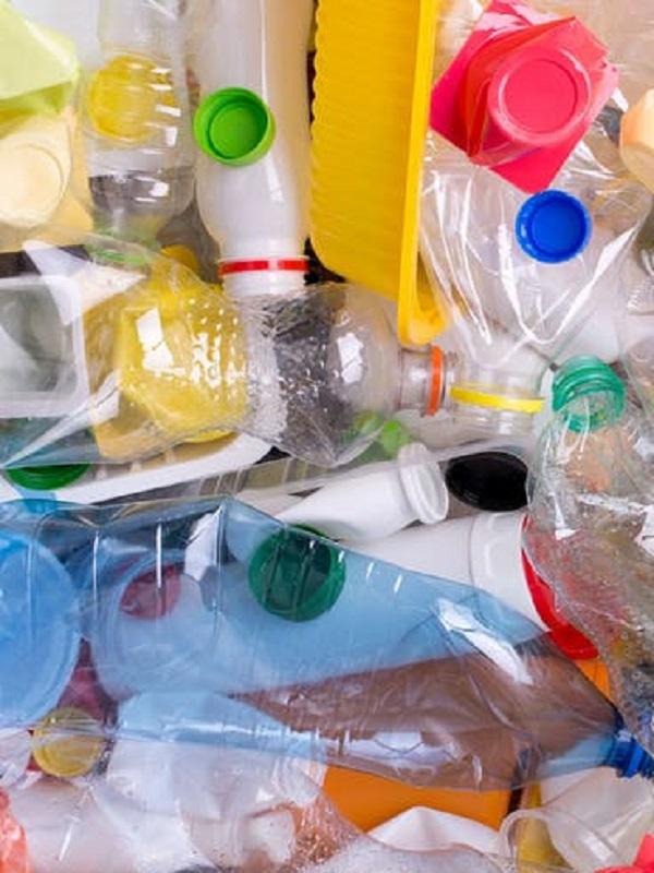 Equo contra los residuos plásticos