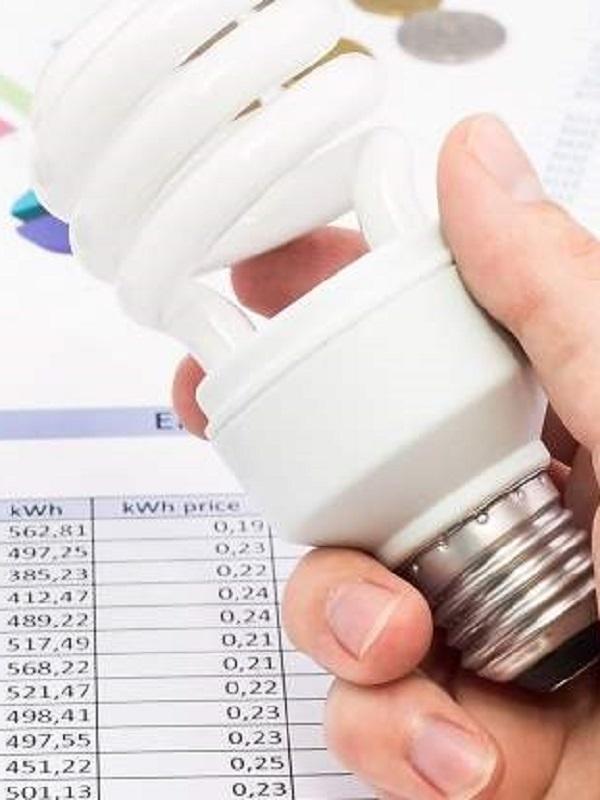 Abaratar la factura de la luz es posible