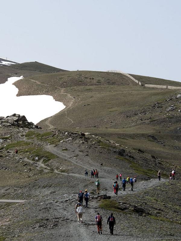 Nace un plataforma para frenar el centro de visitantes de la Hoya de la Mora (Sierra Nevada)