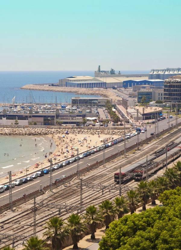 Mediterrània pide sanciones ejemplares para las empresas que incumplan los protocolos de seguridad y medio ambiente en Tarragona