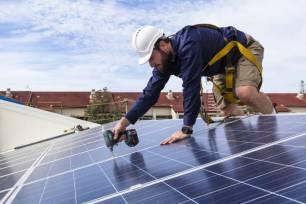 La cara 'A' y 'B' de instalar paneles solares en casa