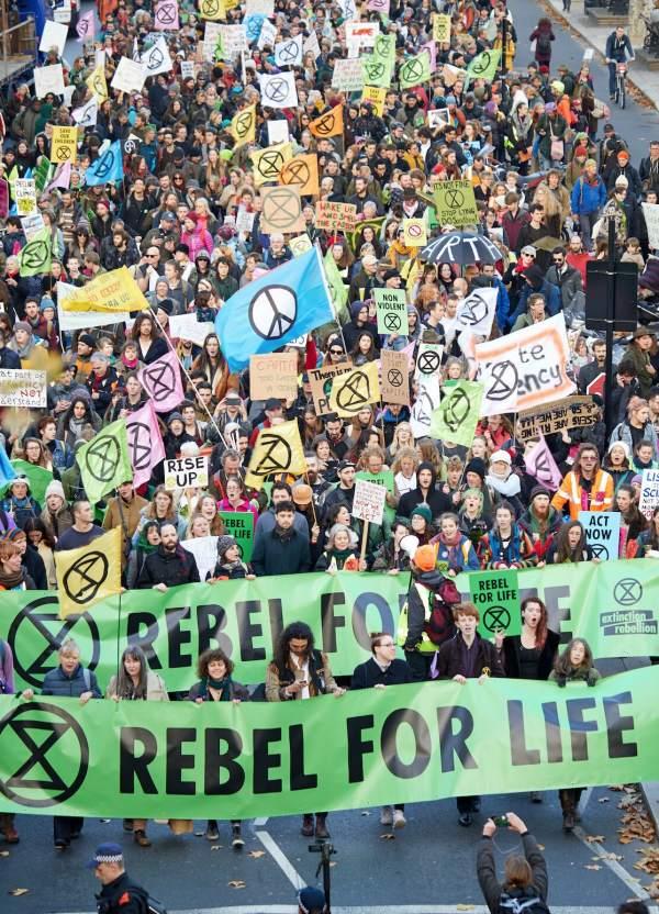 Paralizado el tráfico en Reino Unido para exigir medidas climáticas