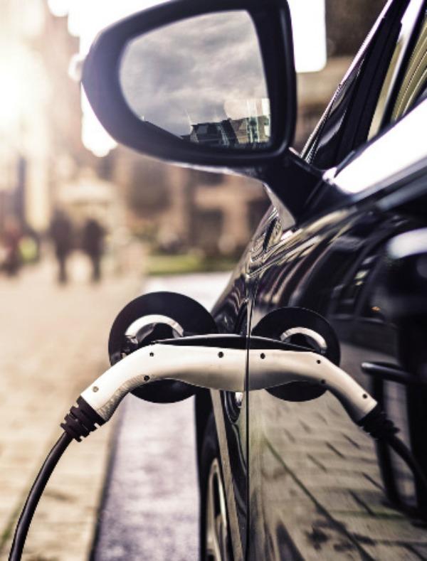 En 2025, por cada vehículo de combustible se fabricarán más de 400 eléctricos