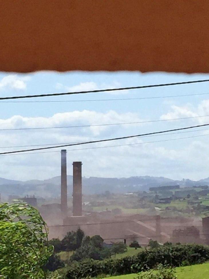 Asturias. Una tarde horrible de contaminación en Gijon y Carreño