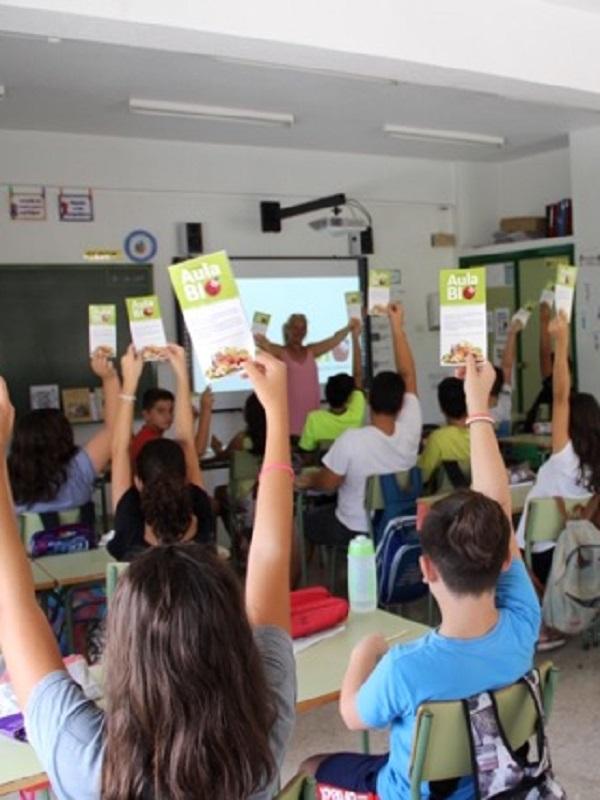 El CAECV organiza talleres educativos sobre agricultura ecológica, alimentación saludable y medioambiente