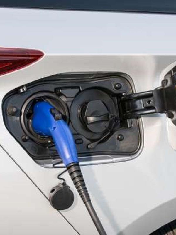 Toyota otorgará licencias libres sobre cerca de 24.000 patentes de tecnología de electrificación