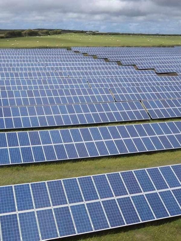 Lluvia de millones del IDAE para promover parques fotovoltaicos en Baleares