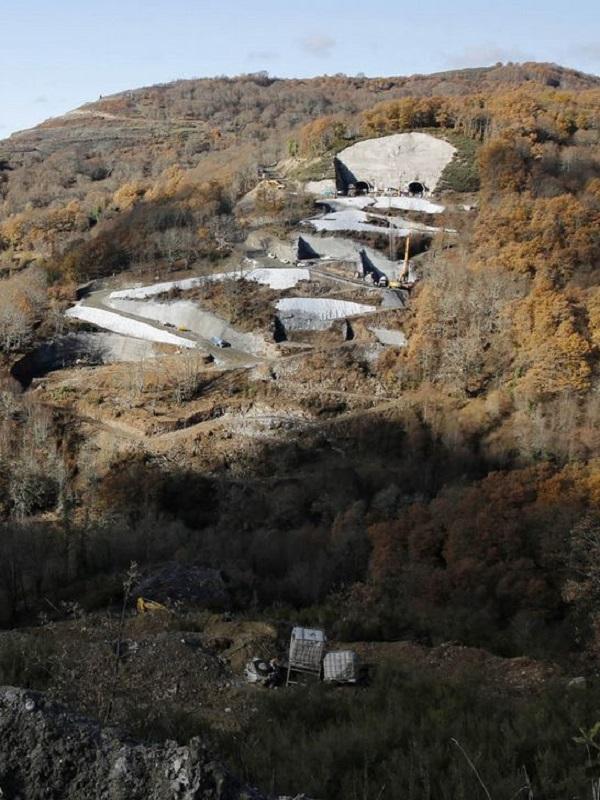 Suelos a la carta contra la contaminación que generan las obras del AVE a Galicia