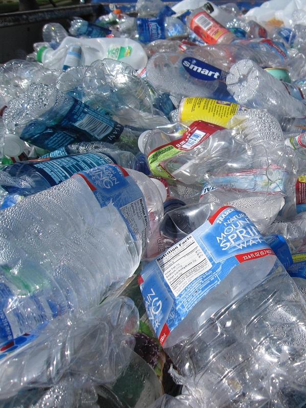 Los 10 mandamientos para vivir con menos plástico