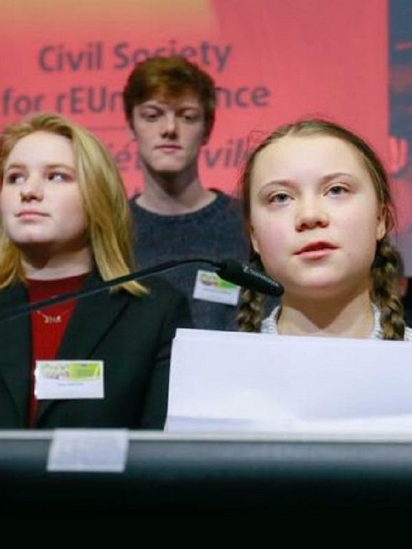 La activista ambiental Greta Thunberg pide votar en las europeas