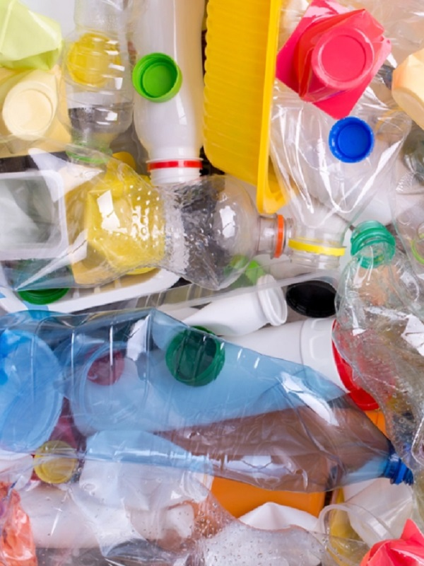 Cs promete llevar al Congreso una Ley para prohibir los plásticos de un uso en