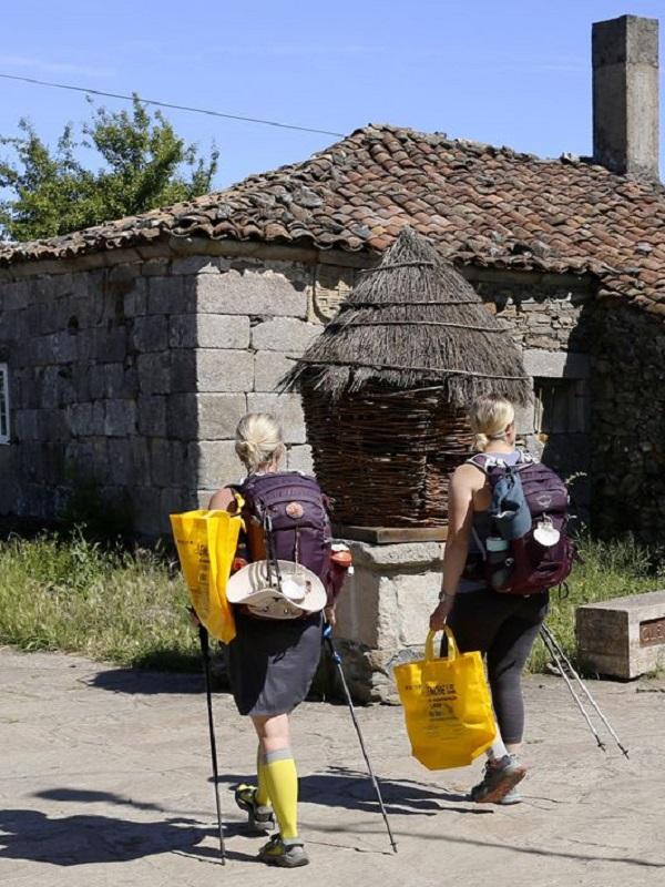 Asturias, Cogersa y Ecoembes, la 'gran alianza' por un Camino de Santiago libre de basuraleza