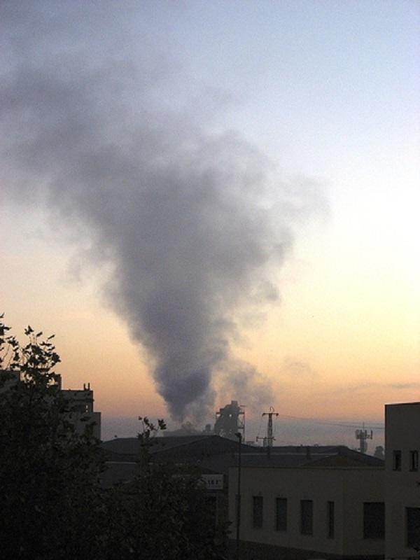 Córdoba. La Plataforma Aire limpio, pide la revisión de la AAI de la cementera Cosmos