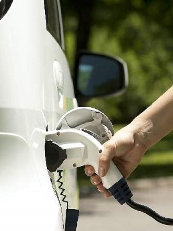 Cantabria pide prórroga para las ayudas al coche eléctrico de Moves