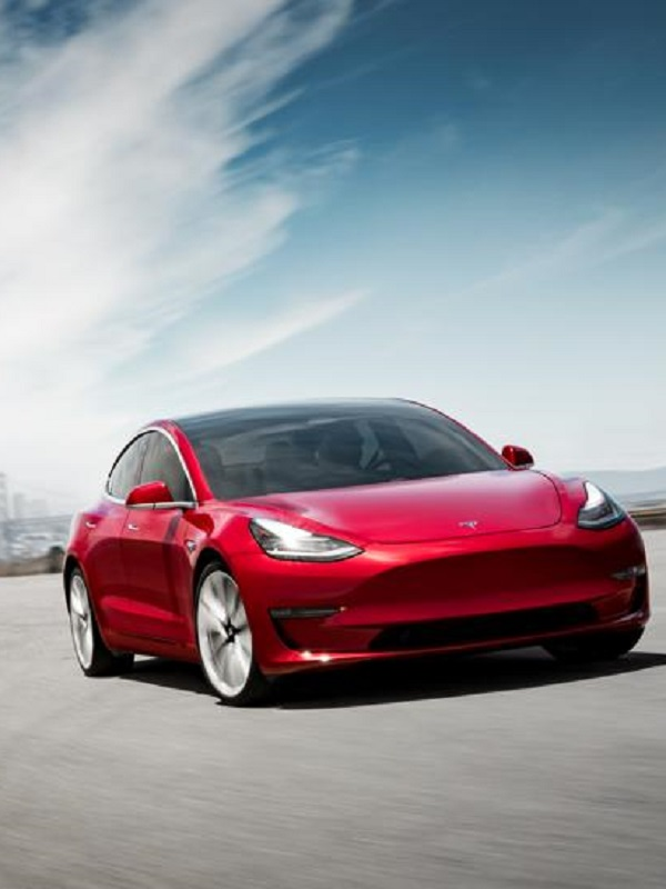 Tesla lo fía todo a su Model 3