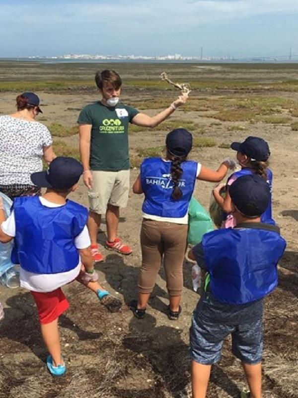 Más de cien colegios de Cádiz participan en un programa sobre educación ambiental de Bahía Sur