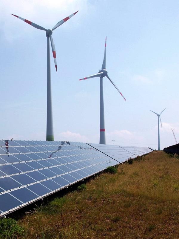 Repsol estudia la adquisición de X-Elio para seguir creciendo en energías renovables