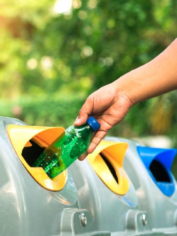 Canarias primará económicamente a las empresas que elaboren productos a partir del reciclaje de plástico