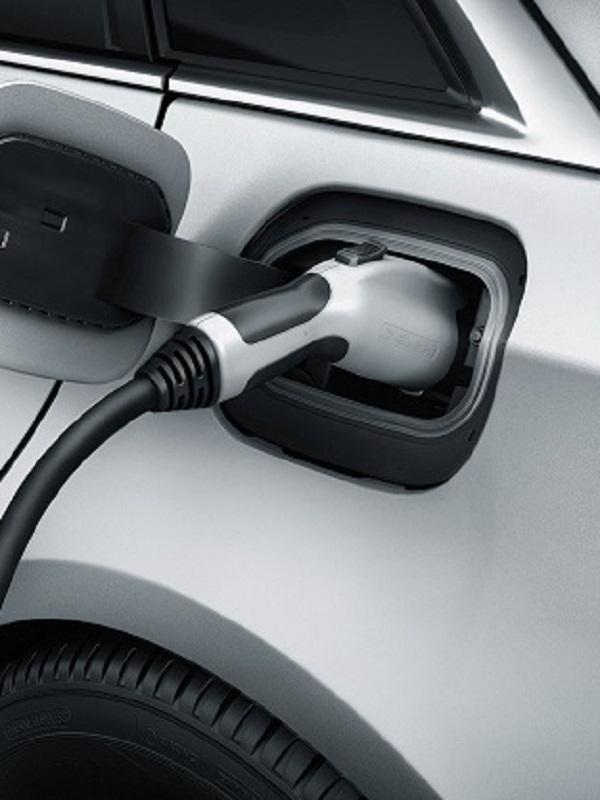 Castilla y León. Aprobada la deducción del 15% en el IRPF para incentivar la compra de vehículos eléctricos o híbridos