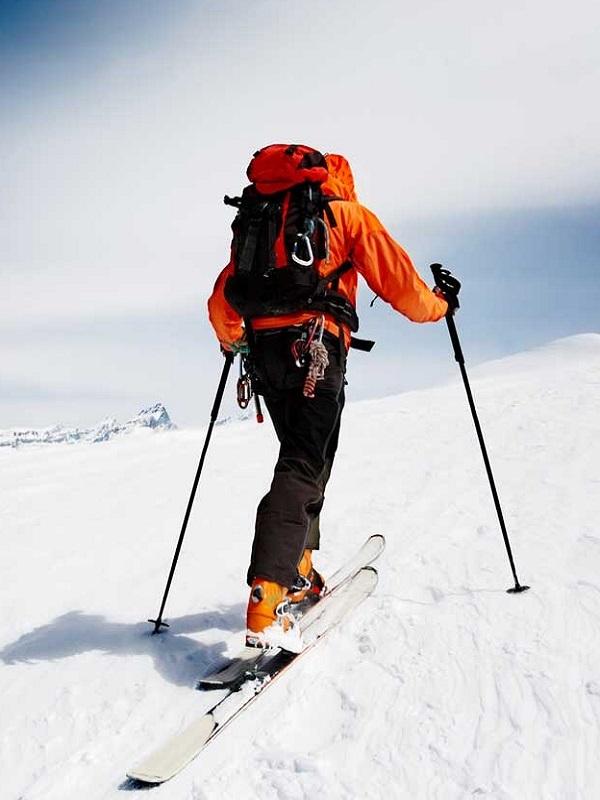 Seis claves para practicar deportes de invierno con salud