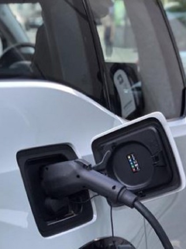 Las ventas de coches eléctricos en Europa se disparan