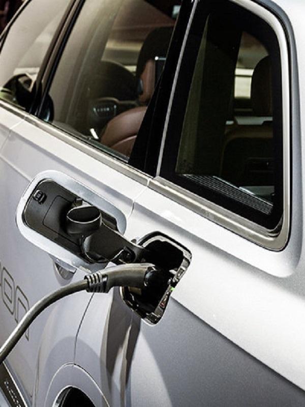 Audi prueba la integración de los coches eléctricos en el hogar inteligente