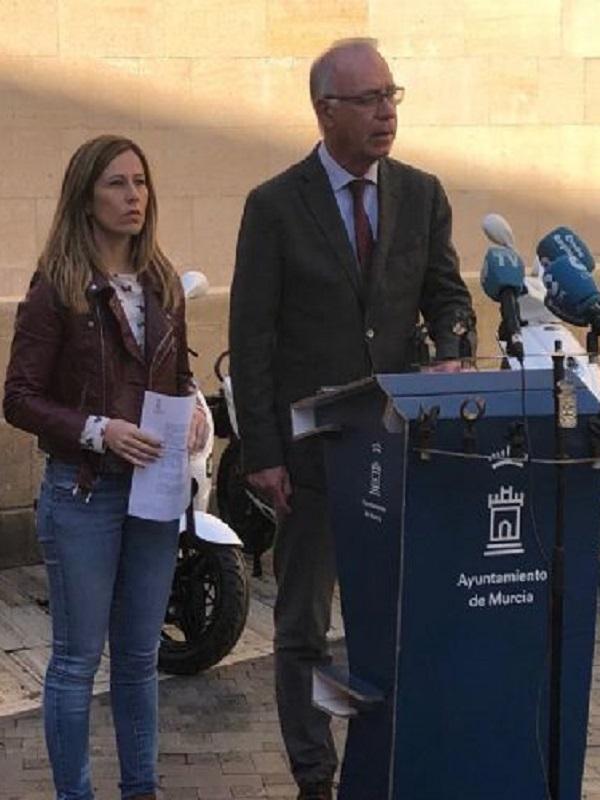 Una empresa local gestionará un nuevo sistema de alquiler de motos eléctricas en Murcia