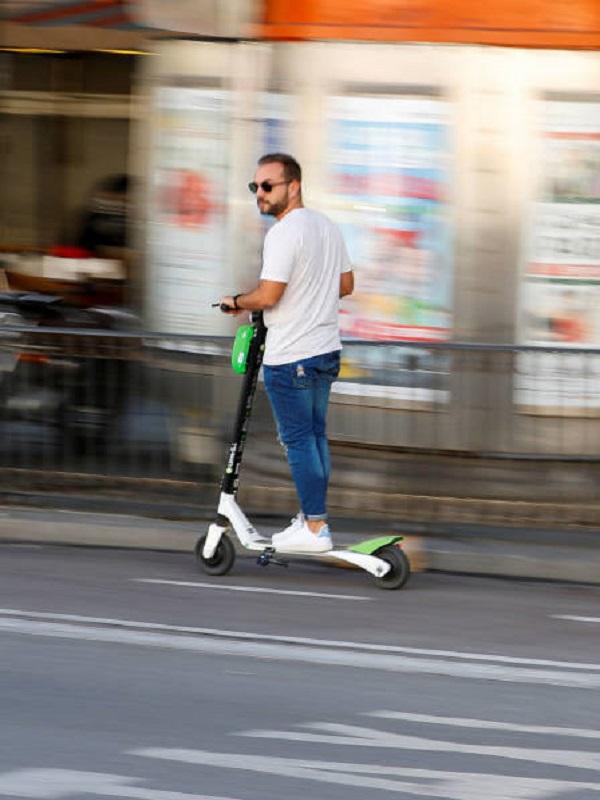 Acciona y Lime, entre las 18 empresas autorizadas para desplegar 8.610 patinetes por Madrid
