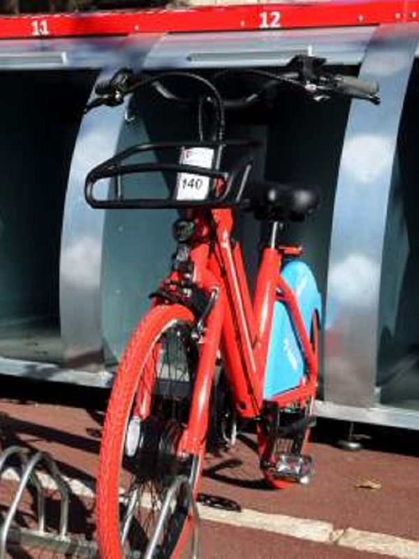 El AMB inaugura un servicio de bicicletas eléctricas públicas y compartidas