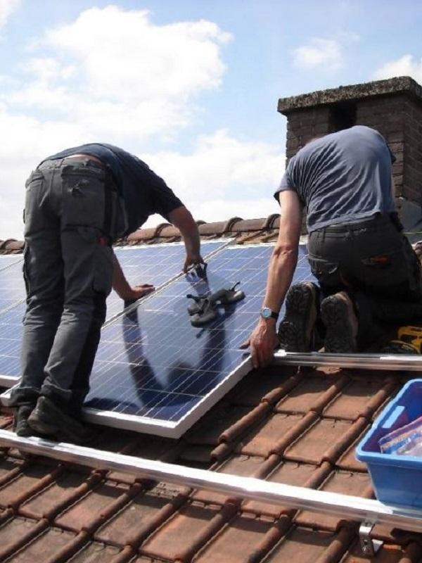 Luchar contra la pobreza energética con energías renovables